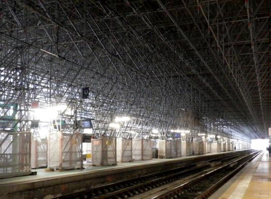 Les échafaudages présents depuis mi-2015 dans la gare Saint-Jean ont nécessité un an pour être montés. ©Manon Laffargue
