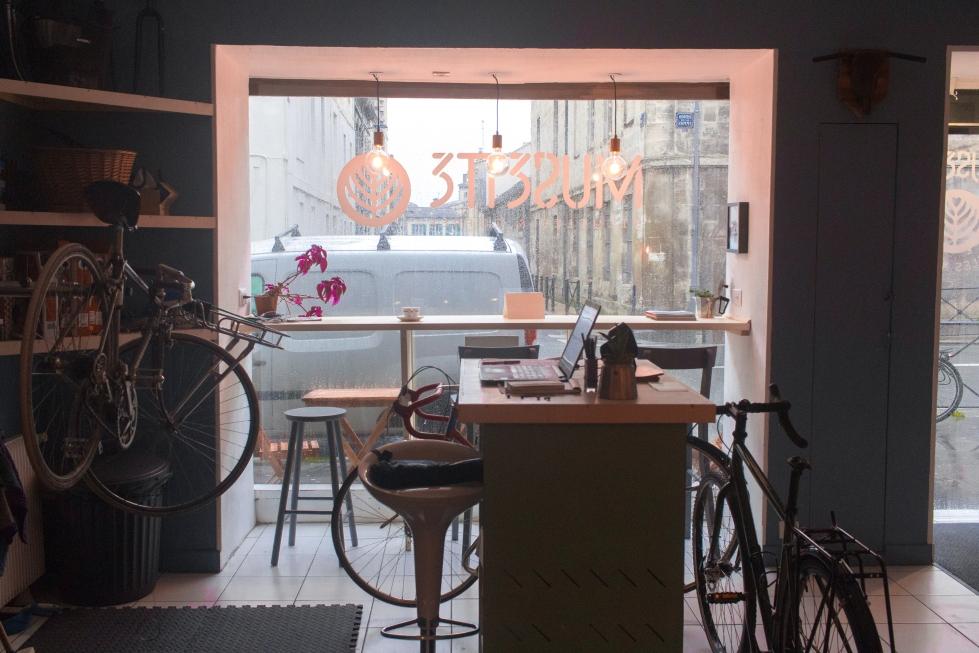 La vitrine du café Musette