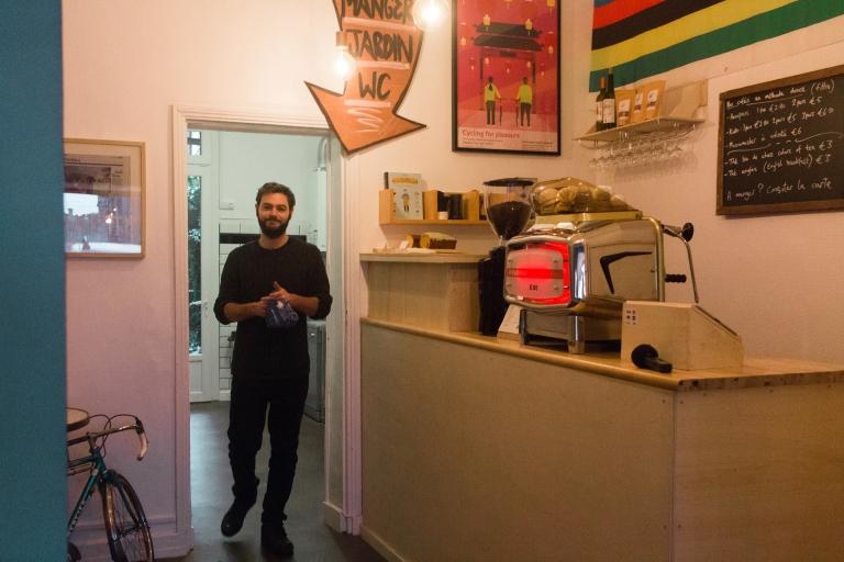 Chris au café Musette